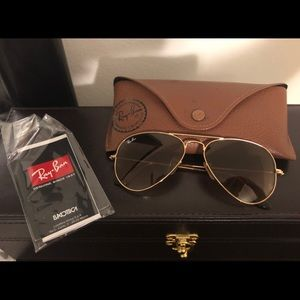 Ray Ban Aviator Sunglasses RB3025 Light Brown